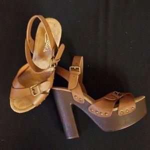 Candies sz 7.5 platform brown sandals BNWB